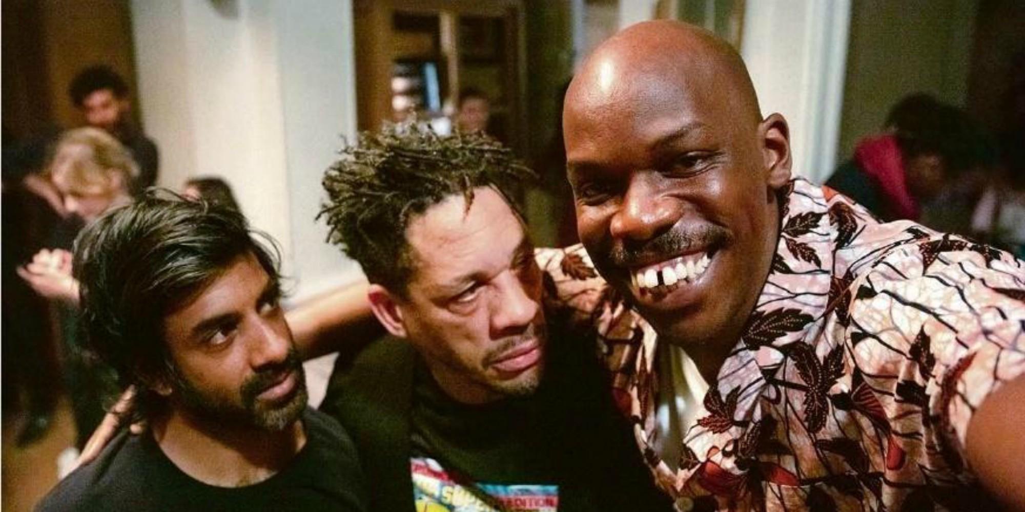 """""""Tout simplement noir"""" : une comédie jubilatoire avec un casting quatre étoiles"""