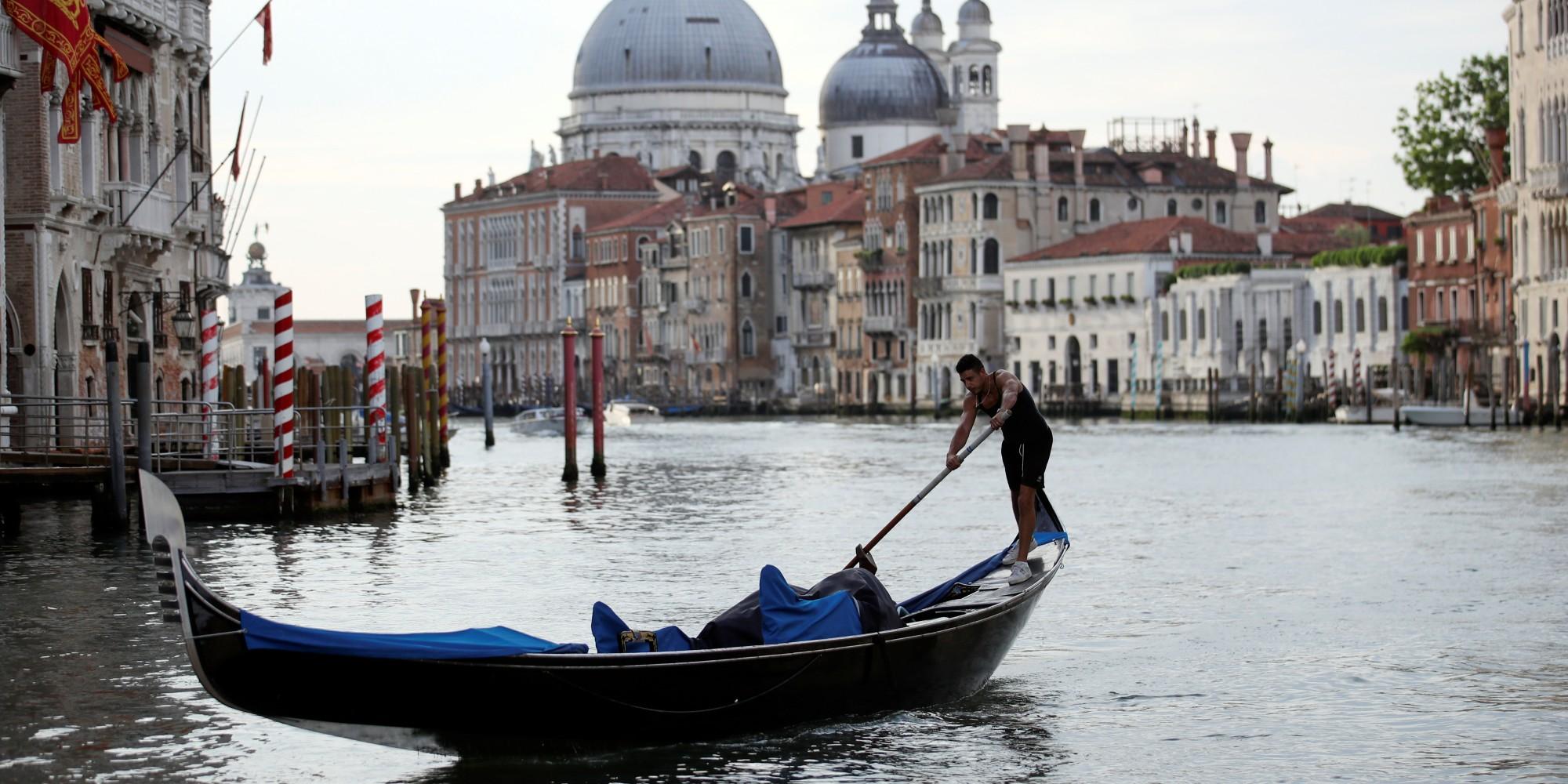 Vaccin : en Italie, la seconde dose pourra être administrée en vacances
