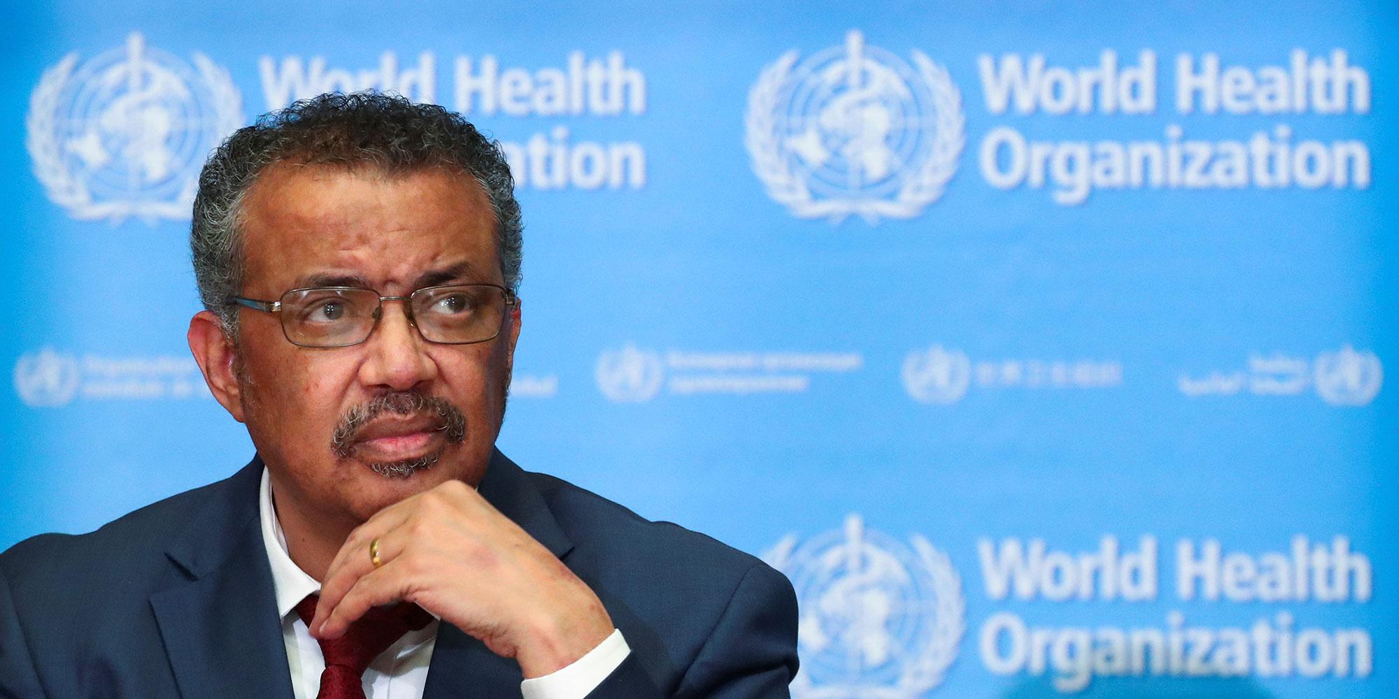 Face à la crise du coronavirus, la prudence et les excès du chef de l'OMS