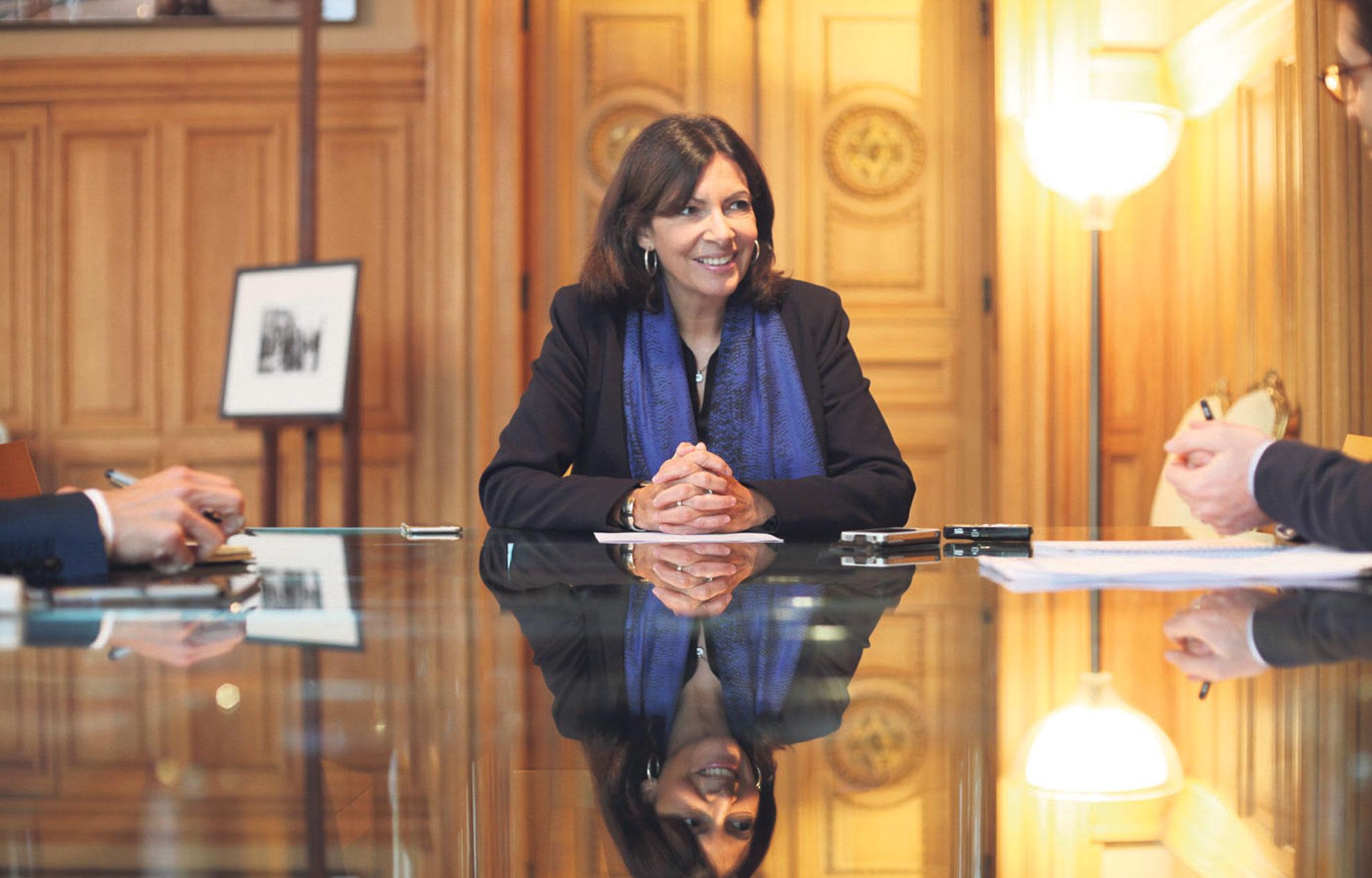 Sondage. les parisiens clivés sur le bilan danne hidalgo
