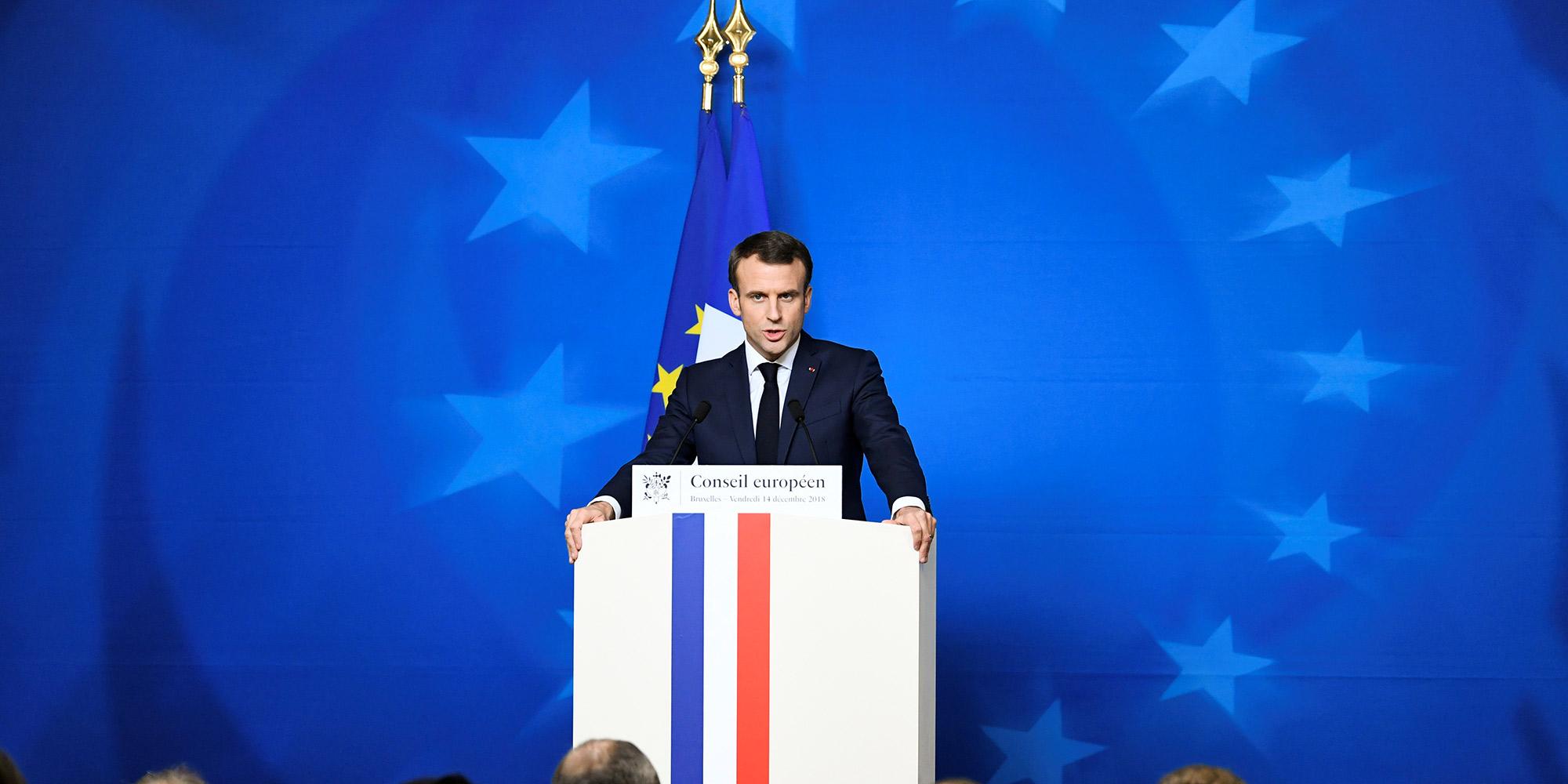 """A la veille de l'acte 5, Macron aux Gilets jaunes : """"La France a besoin d'ordre"""""""