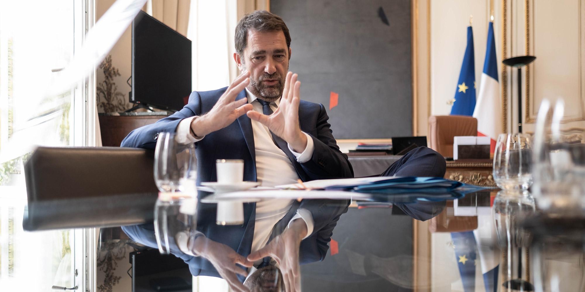 """Christophe Castaner sur les Gilets jaunes : """"Il reste des individus qui cherchent la violence"""""""