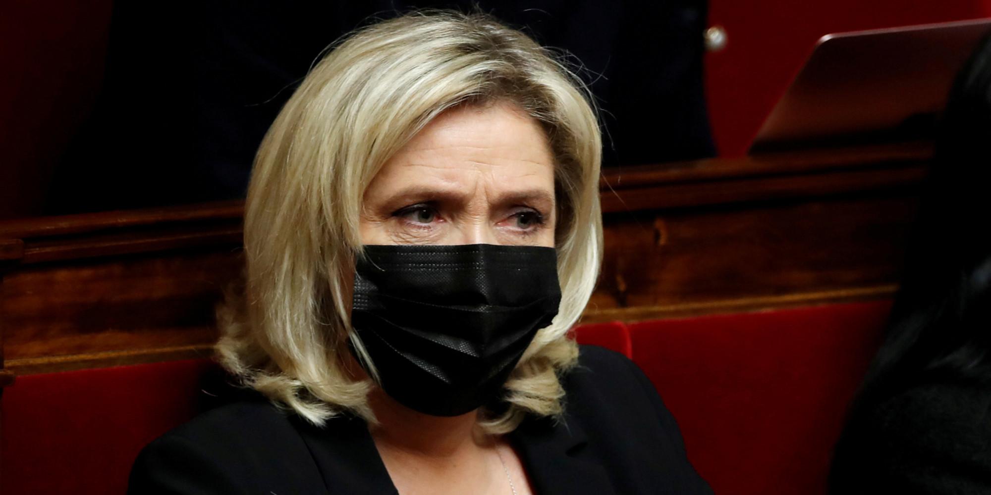 Ecologie : Marine Le Pen présente son contre-projet de référendum