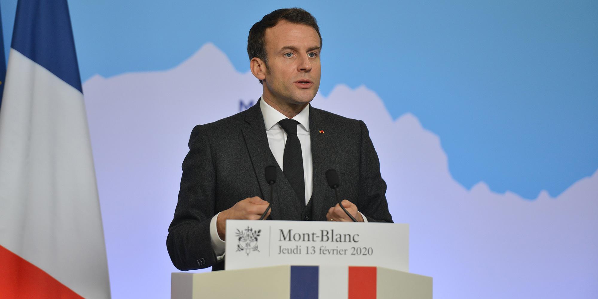 """Haute-Savoie : quand Macron prend les """"cars Wauquiez"""""""
