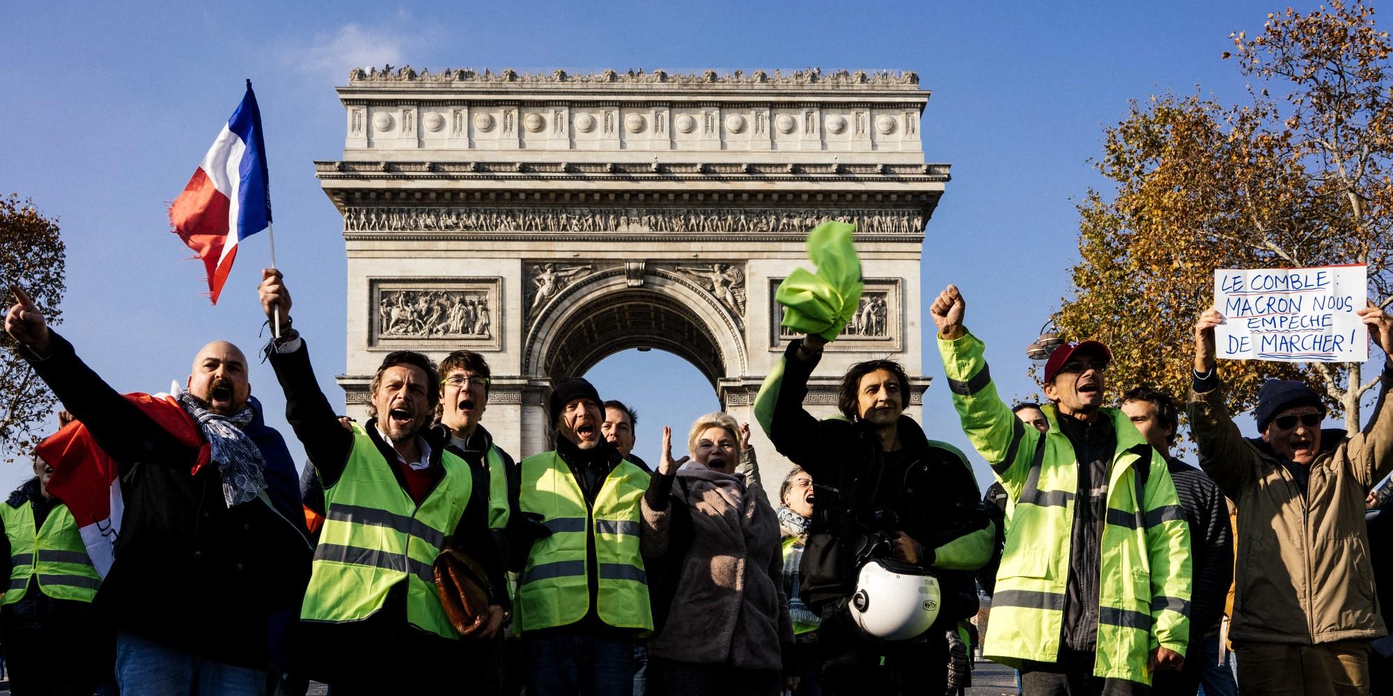 """""""Hors de question que Macron soit réélu"""" : comment des Gilets jaunes s'engagent dans la campagne présidentielle"""