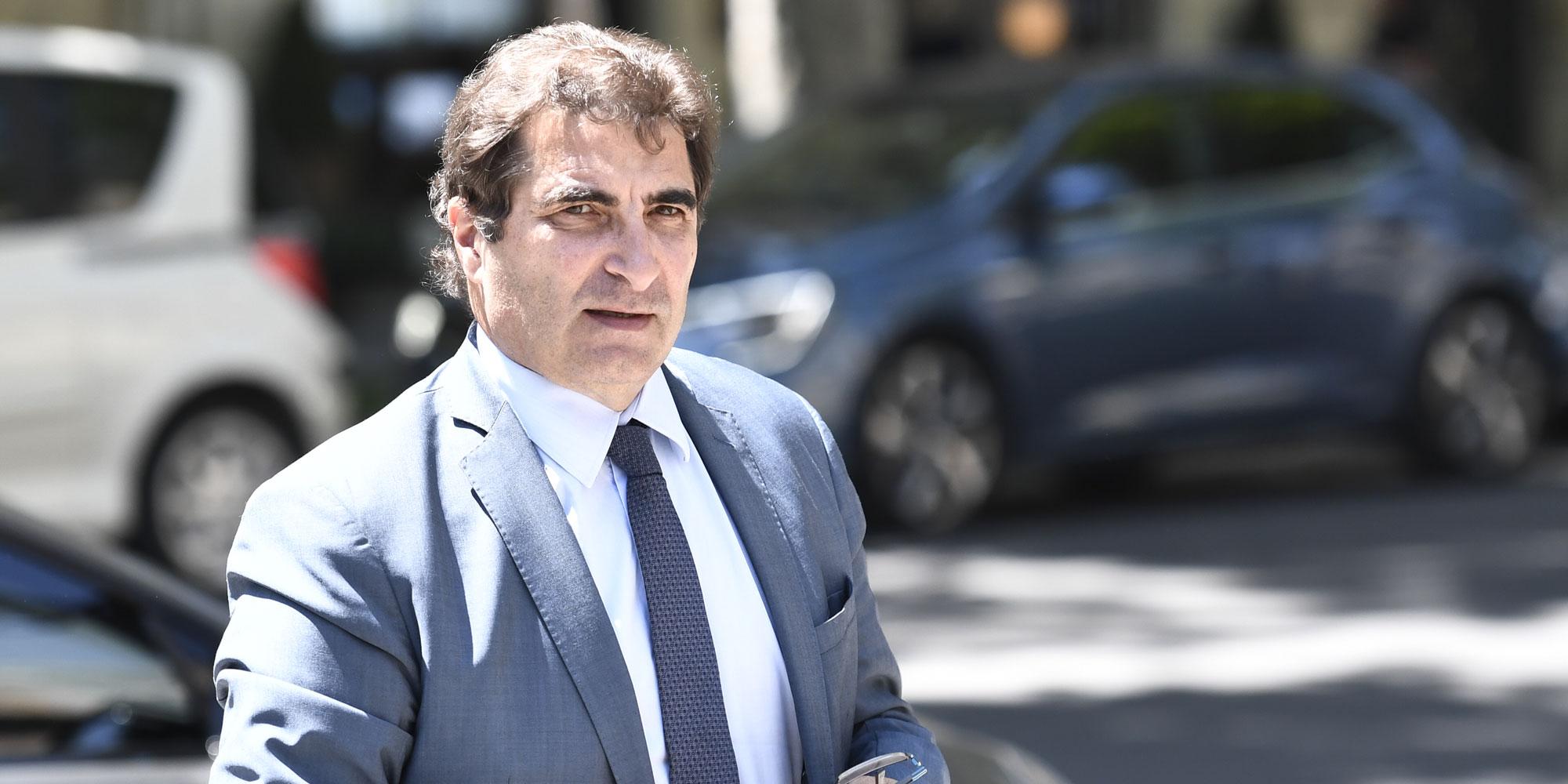 Les imprécisions de Christian Jacob sur la comparaison du nombre de titres de séjour sous Macron et Sarkozy