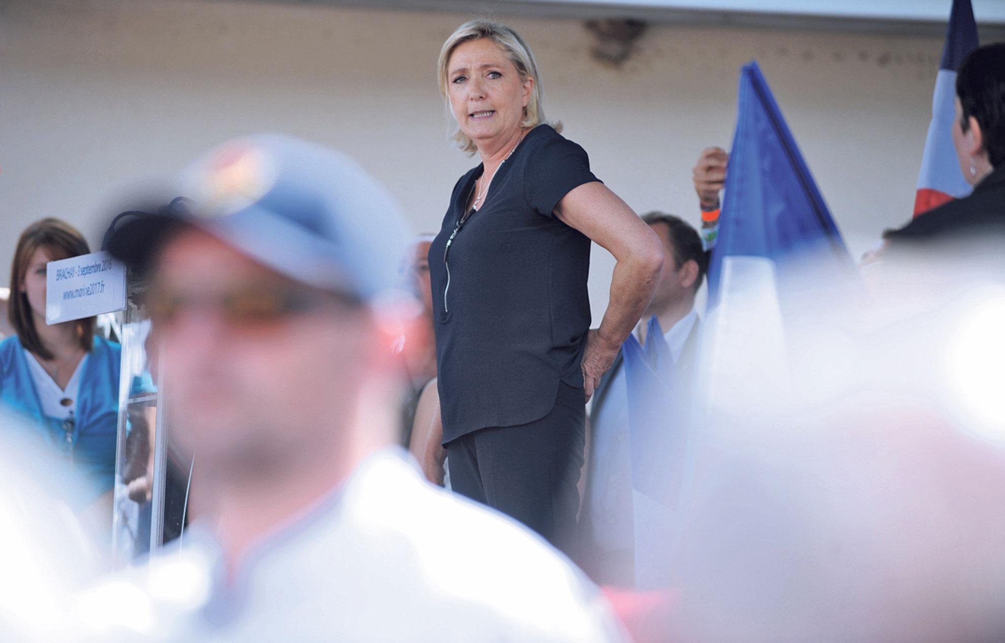 https   www.lejdd.fr Politique Macron-tacle-les-vrais-cyniques-qui ... c0998220ba3