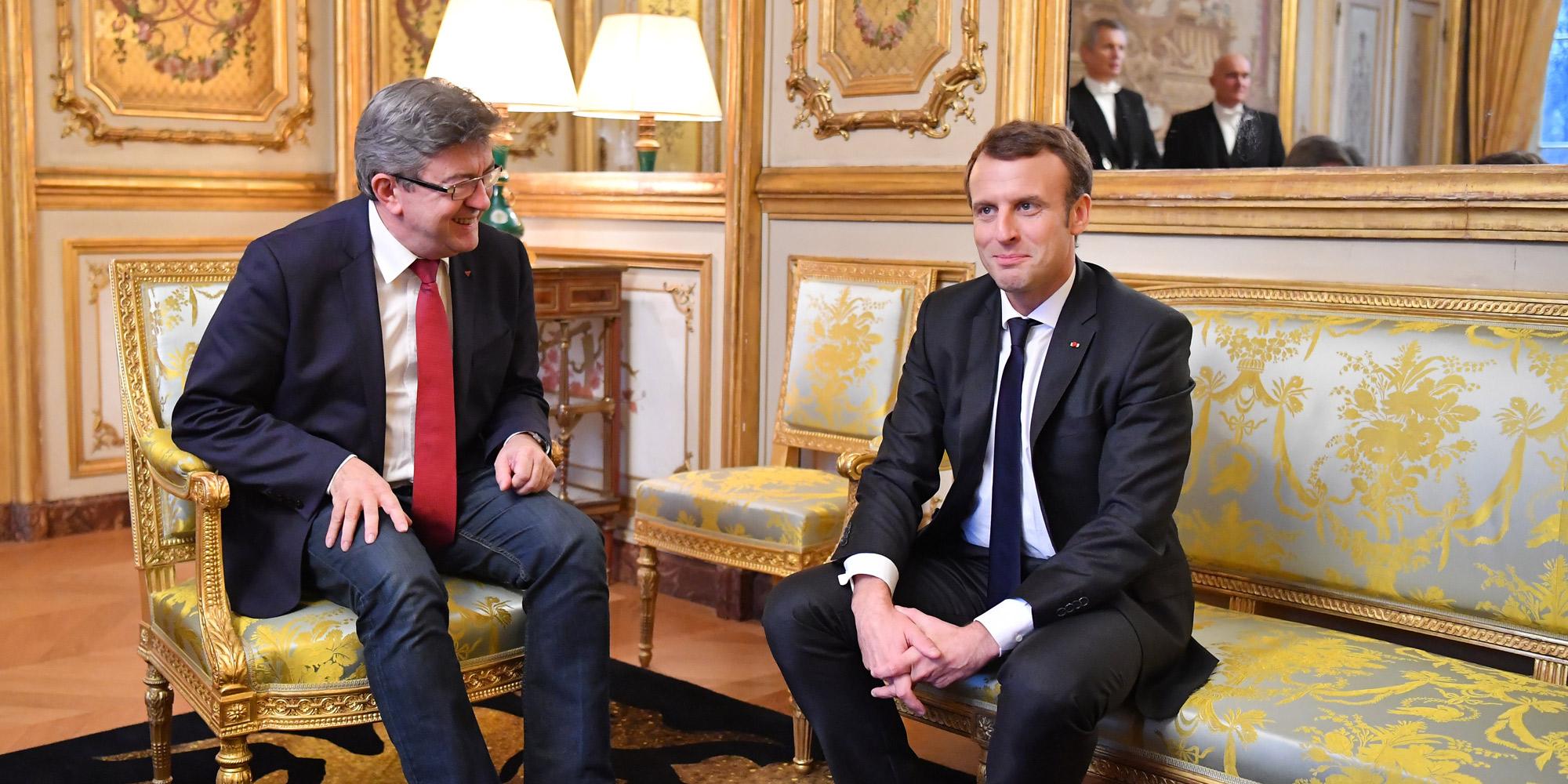 Mélenchon vante son dialogue avec Macron pour mieux se payer Hollande