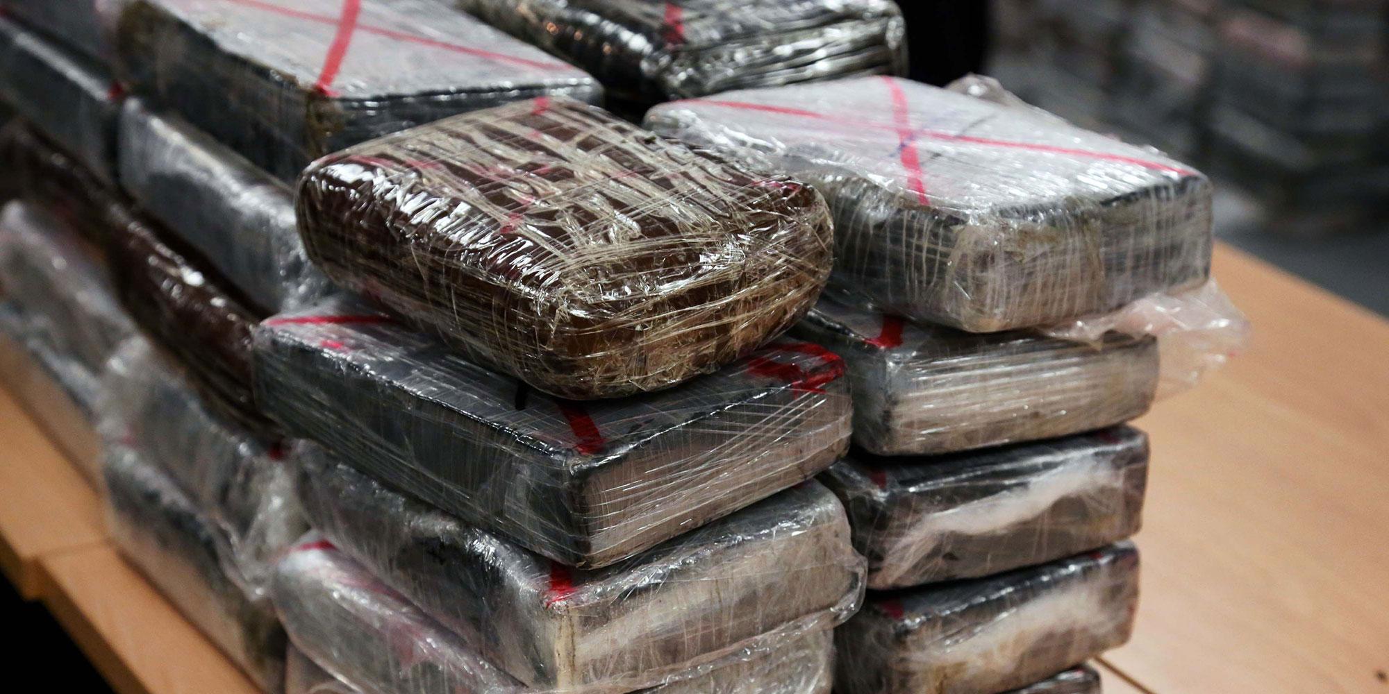 Trafic de drogue : 1,4 tonne de cocaïne venue de Martinique saisie dans les Hauts-de-Seine