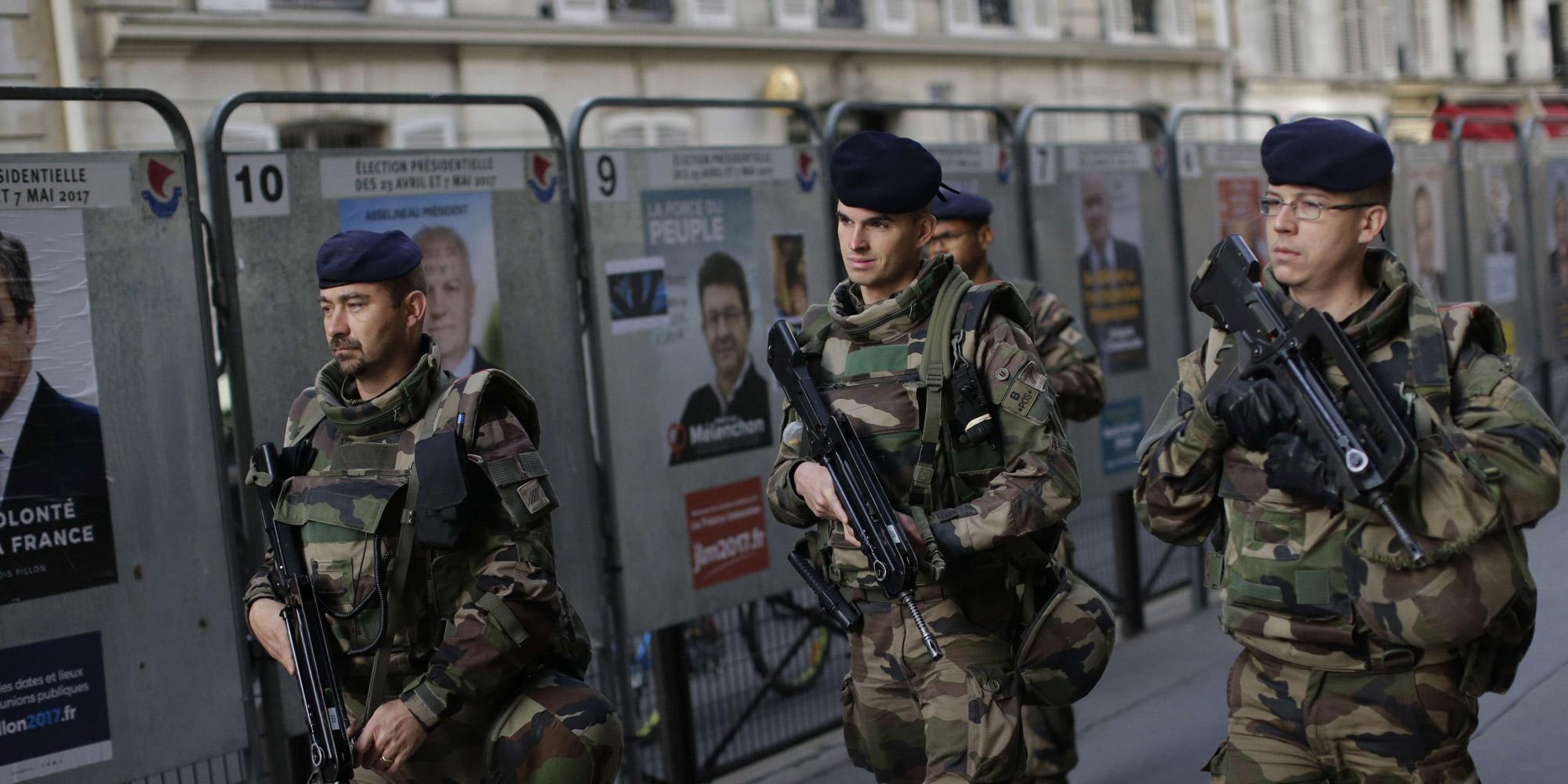 Opération antiterroriste : cinq arrestations en France, des armes saisies