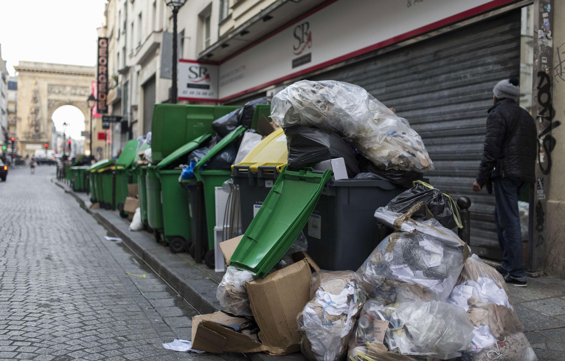 нижние париж сегодня мусор фото ответ