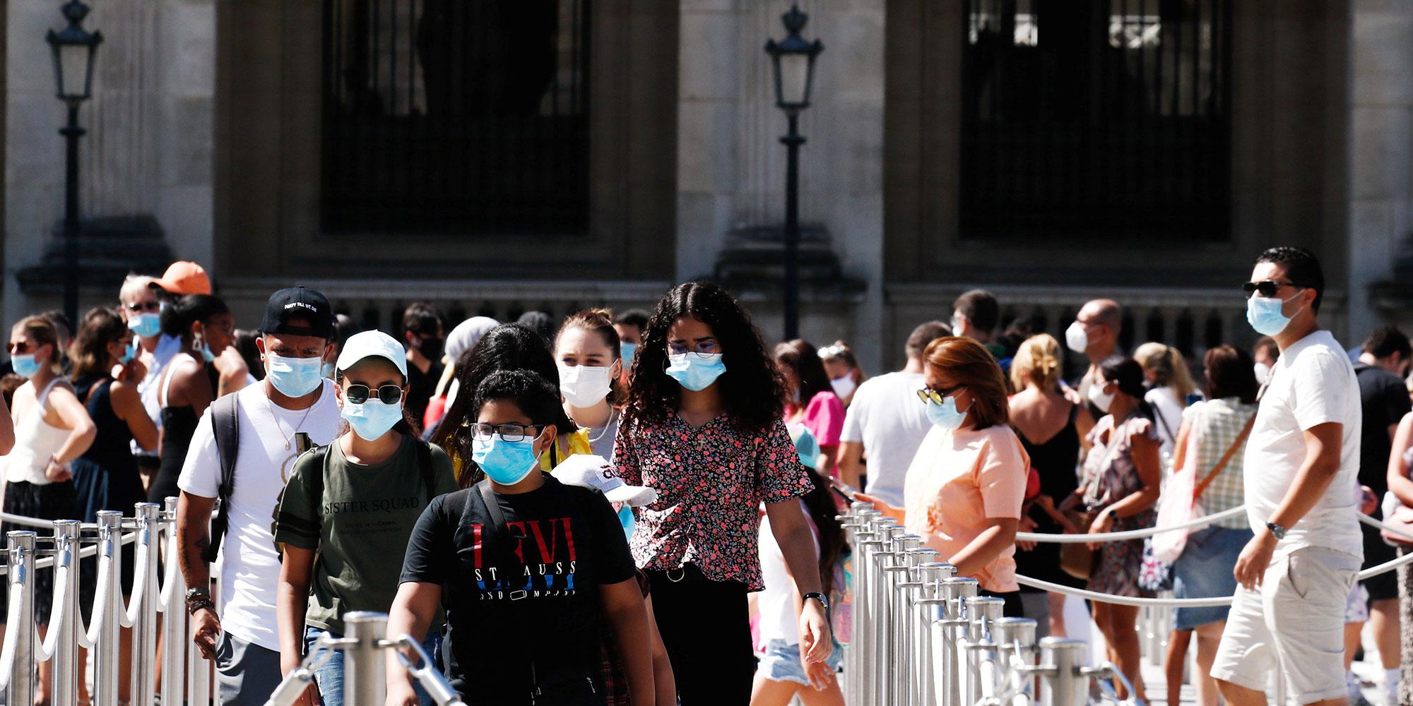 100 km, commerces : que peut changer le passage de Paris et Marseille en zones de circulation active du virus?