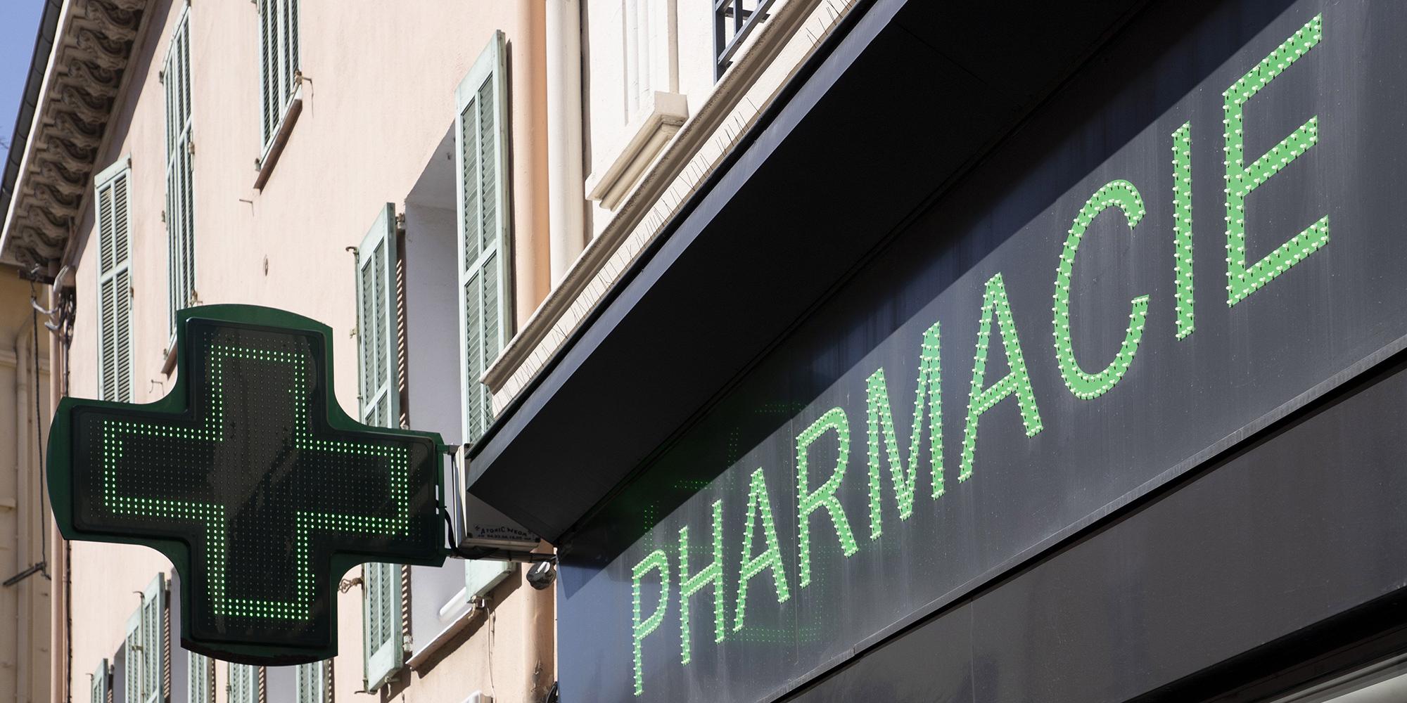 "TRIBUNE. ""Ne sacrifions pas les pharmacies"""