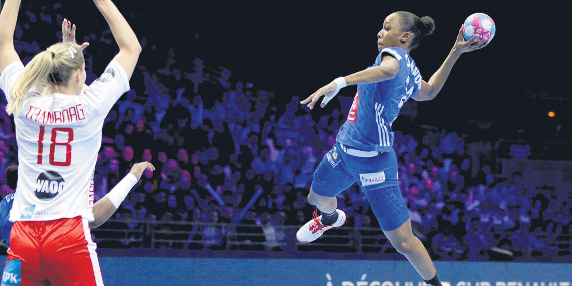 """Orlane Kanor, nouvelle pépite du handball français : """"Je me suis sentie jugée, c'était traumatisant"""""""